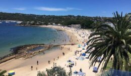 Balmoral Beach busy